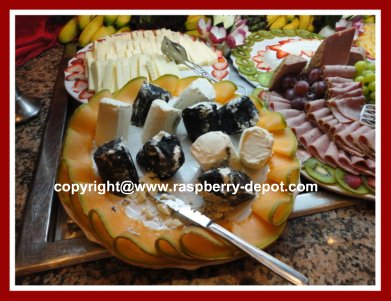 Garnishing Fruit Platters