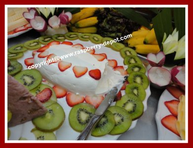 Garnishing Food Trays with Fruit