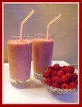 Raspberry Fruit Smoothie for Valentines Day