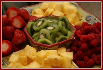How to Make an Easy Fruit Platter Tray