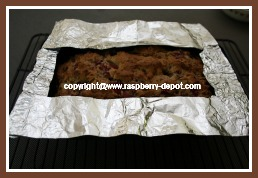 Protecting the Edges of the Bread from Becoming Too Dark by Making a Shield with Foil Paper