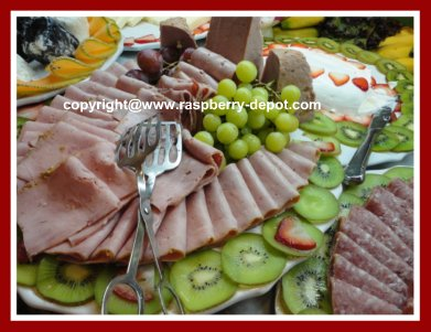 Decorating/Garnishing a Meat Tray/Platter with Fruit