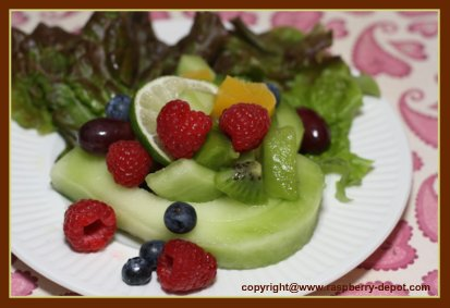 Valentine's Day Salad Idea - Melon cut-out with mixed fruit center
