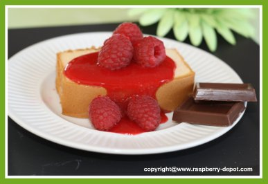 Raspberry Coulis Sauce Topping on Cake
